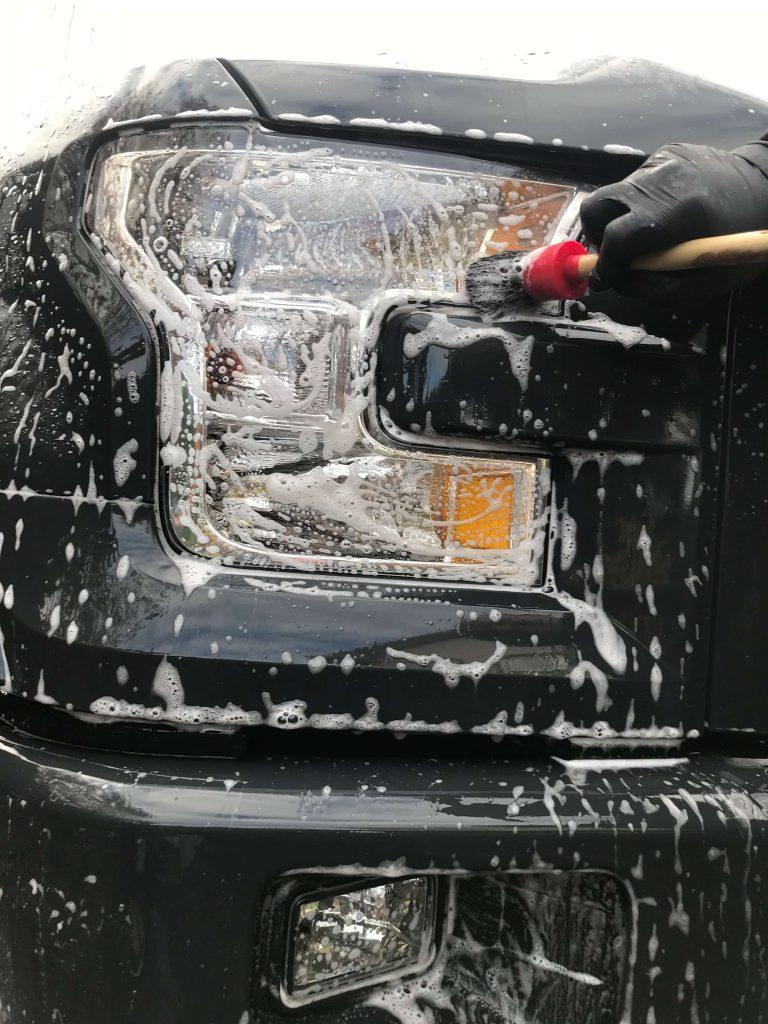 brush-detail-truck